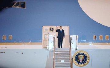 特朗普抵达越南参加美朝领导人河内会晤