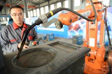 提振经济信心 增强发展后劲--海外人士积极评价中国减税降费举措