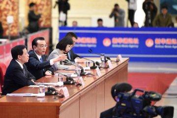 李克强:推动中俄经贸规模向翻番的目标迈进