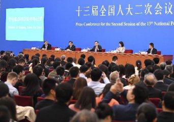 李克强:坚持推进市场化法治化改革