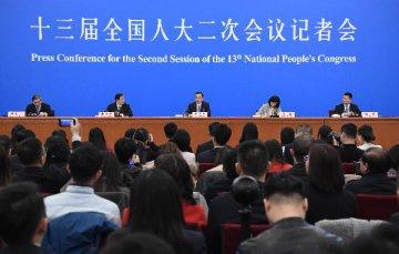 李克强:今年确保新增城镇就业人数1100万以上 保障农民工合法权益