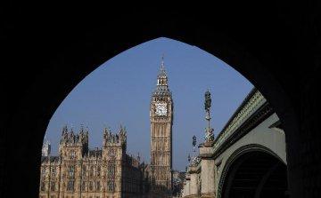 专访:期待英中深化金融科技合作--访伦敦金融城市长彼得·埃斯特林