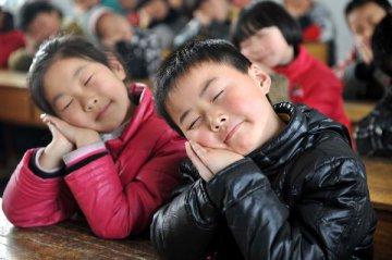 """專家深度解讀""""健康睡眠"""":日間思睡對人體有害"""
