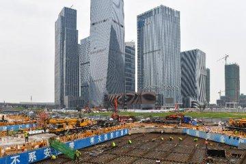 韩国瑜一行参访深圳 为台湾青年双创基地揭牌