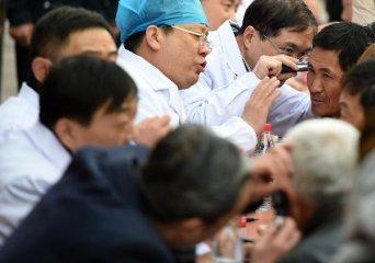 梁锦松:打造国际一流医疗产业 吸引国际精英入驻