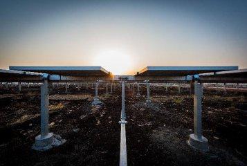 中企承建的烏克蘭大型太陽能光伏電站投產