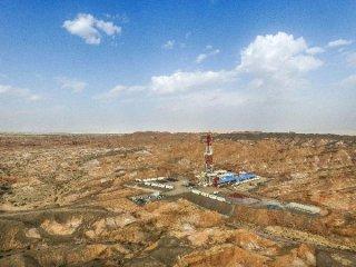 综述:国际油价维持高位但不确定性增强