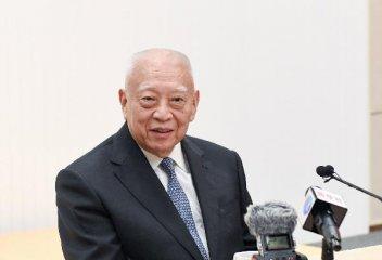 董建华:对存心扰乱、撕裂香港的害群之马绝不妥协