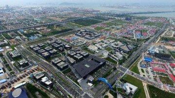 胡春华强调:积极发挥广东自贸试验区在粤港澳大湾区建设中的合作示范作用