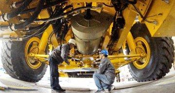 中白合资柴油发动机厂正式投产