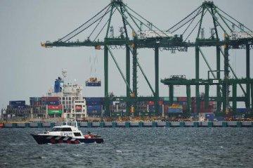 财经观察:自贸港新加坡谨防贸易保护主义伤害