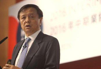 港交所李小加:明年10月底届满时不再重续行政总裁合约