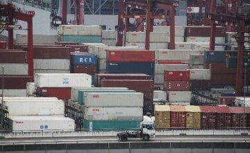香港5月出口额同比下跌7.4%