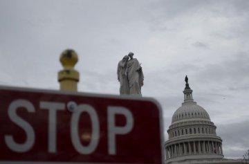 英國《衛報》:美國買斷瑞德西韋引發批評