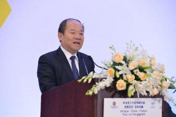 中国经济稳中向好、长期向好的基本面正在展现--专访国家发展改革委副主任宁吉喆