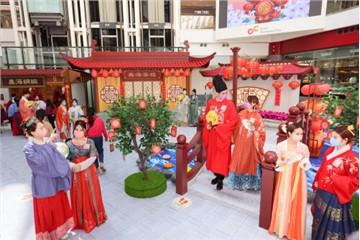 香港奧海城呈獻:《迎福園遊會》 古城風花燈街角別具古色韻味